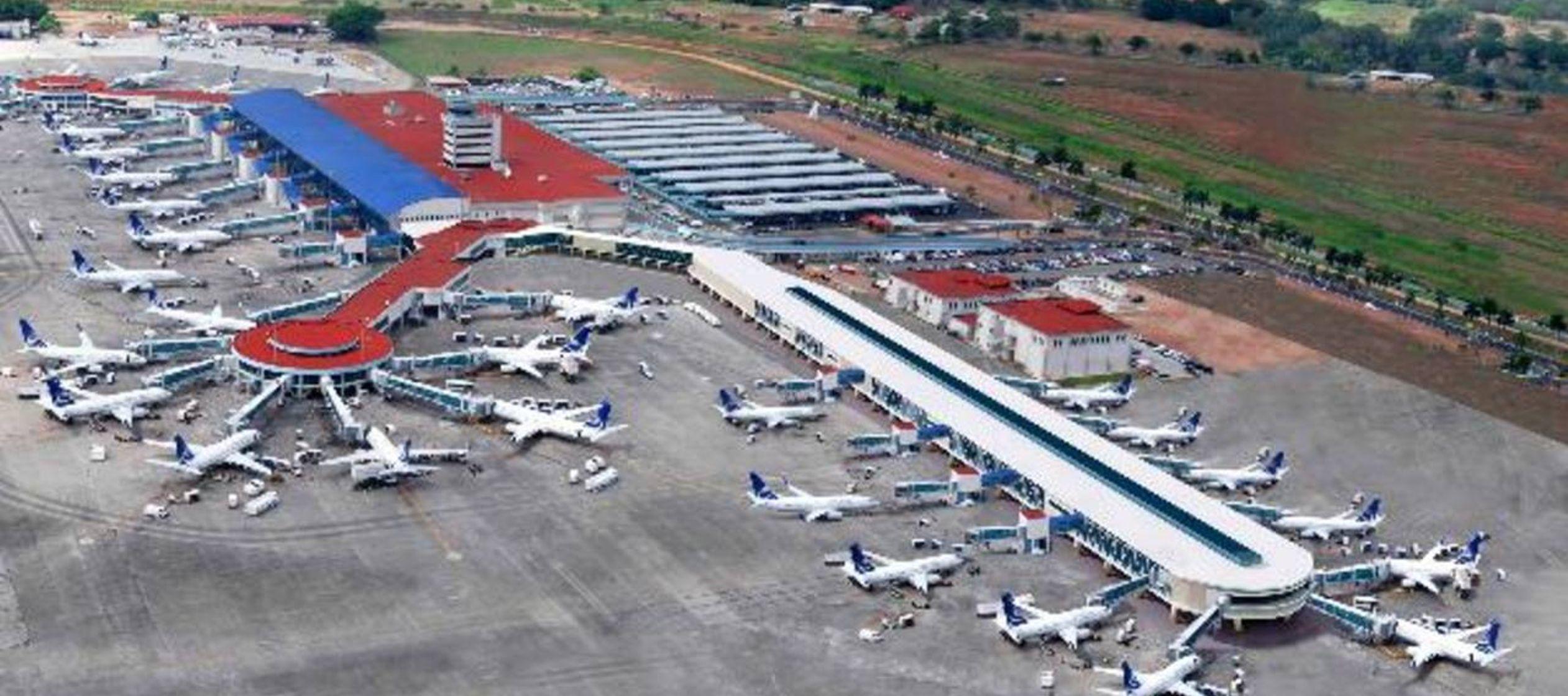 """En el informe """"Análisis de inversiones aeroportuarias en América Latina al..."""