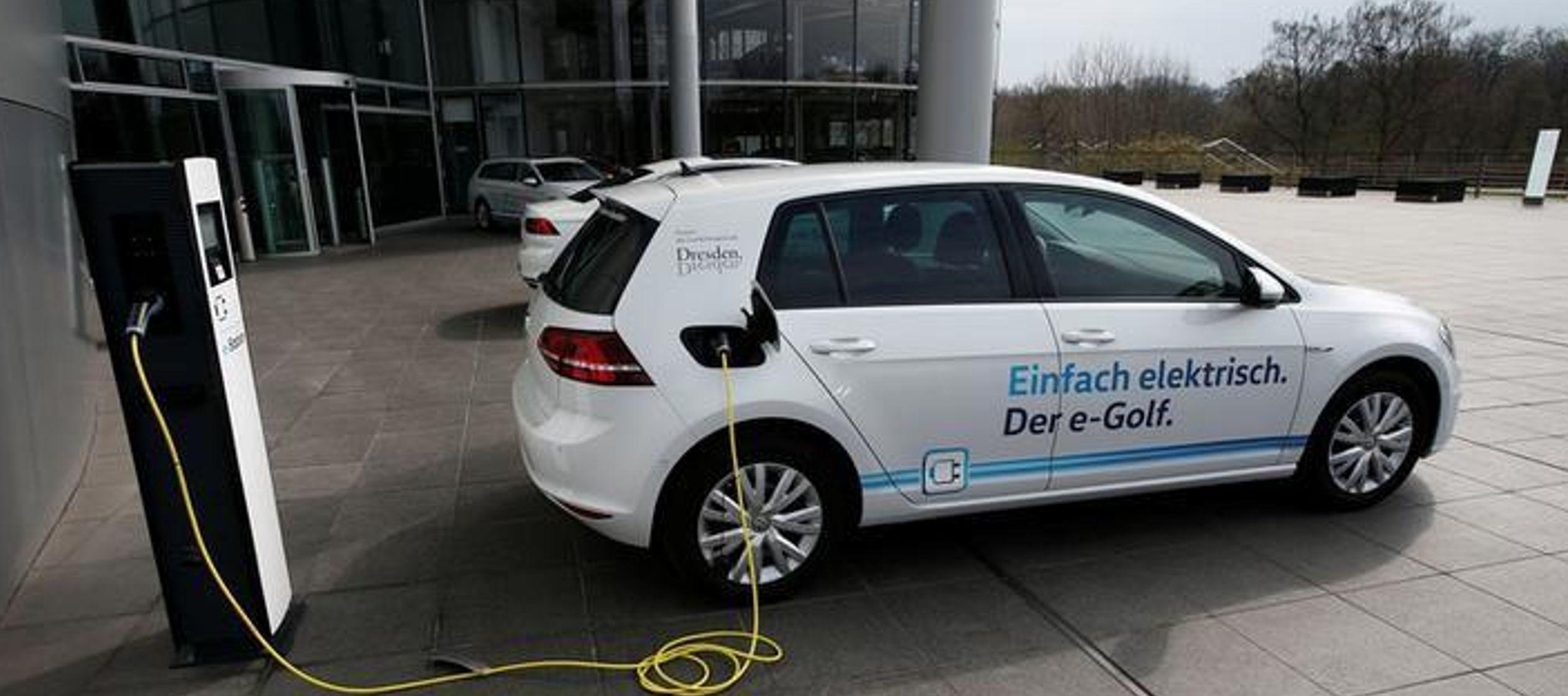 Su oferta competirá en el mercado nacional con DriveNow y Car2Go, los servicios se auto...