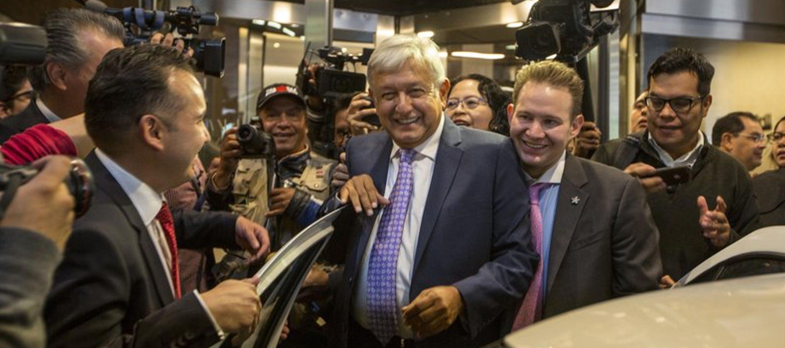 El presidente electo de México, Andrés Manuel López Obrador (también...