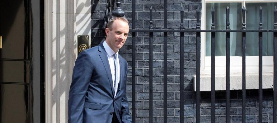 El ministro británico Dominic Raab, expuso ante los diputados los principios del Libro...