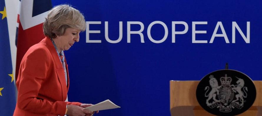El plan vislumbra que la Gran Bretaña mantendrá un mercado libre de productos con la...