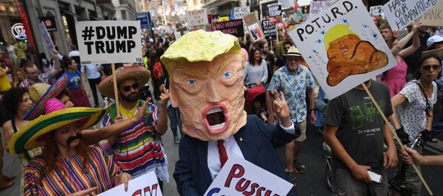 """En junio, Trump abandonó la cumbre del G7 acusando a los aliados de """"robar"""" a EE..."""