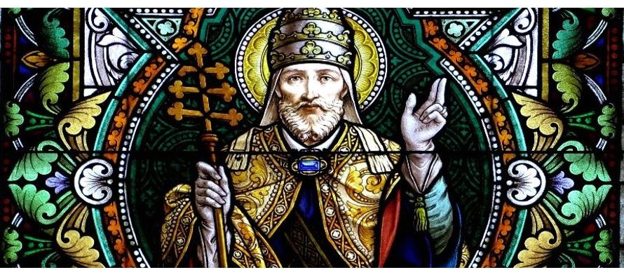 San Alejo es hijo de un senador romano. A la edad de veinte años comprendió que su...