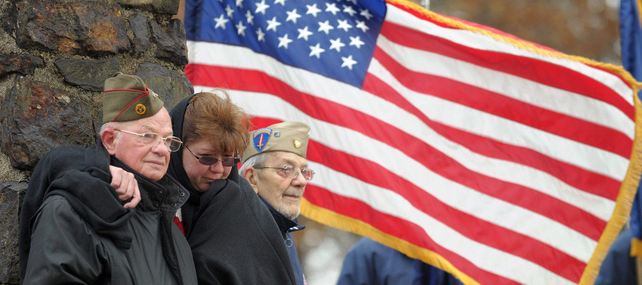 Veteranos en Estados Unidos rejuvenecen el alma con programa de reformas de sus casas