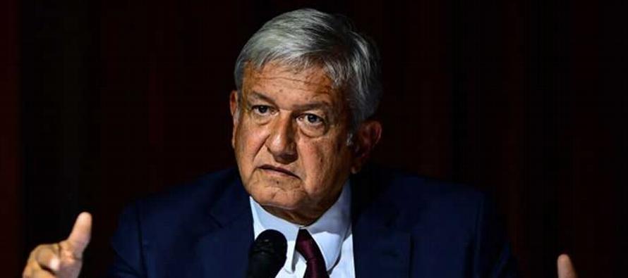 No tengo duda de que López Obrador se ve a sí mismo -y así es visto por...