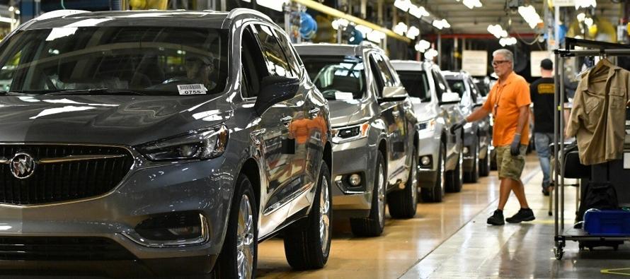 """Merkel advierte del """"peligro"""" para """"muchos"""" de los aranceles de Estados Unidos a autos"""