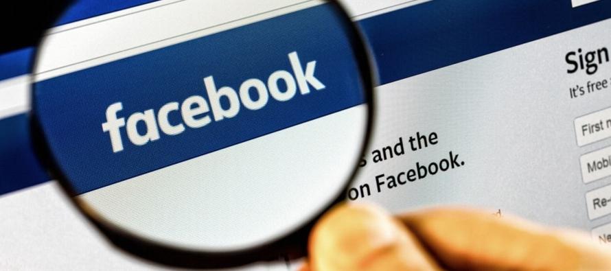 Según un artículo de The Wall Street Journal, Facebook intercambia información...
