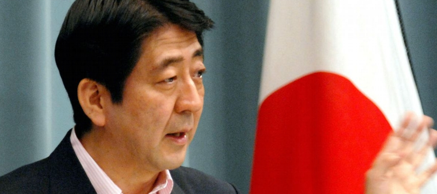 En una declaración a los periodistas tras reunirse con Abe, en la sede del Gobierno...