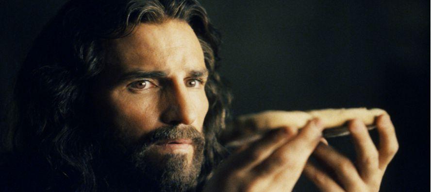 «En verdad, en verdad os digo: si no coméis la carne del Hijo del hombre, y no...