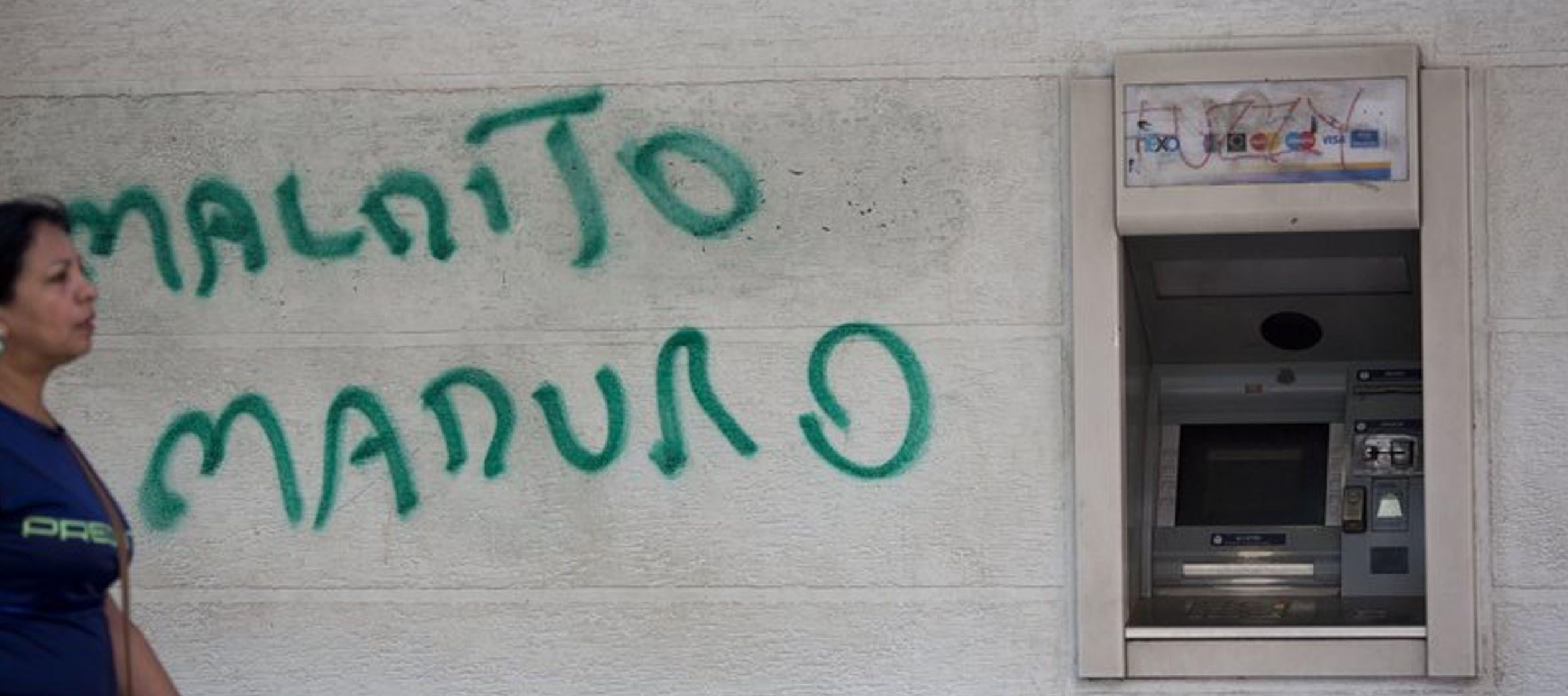 Venezolanos afrontan reconversión monetaria con pesimismo