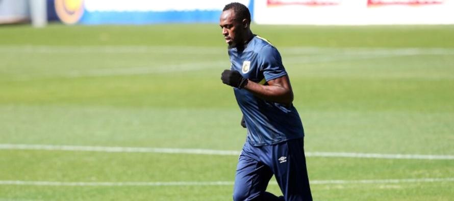 Usain Bolt completa su primera práctica en el Central Coast Mariners de Australia