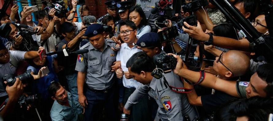 El juez anunció el veredicto frente a un tribunal repleto de periodistas y...