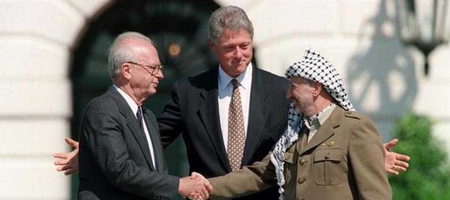 En el 25 aniversario de los Acuerdos de Oslo, israelíes y palestinos coinciden en no...
