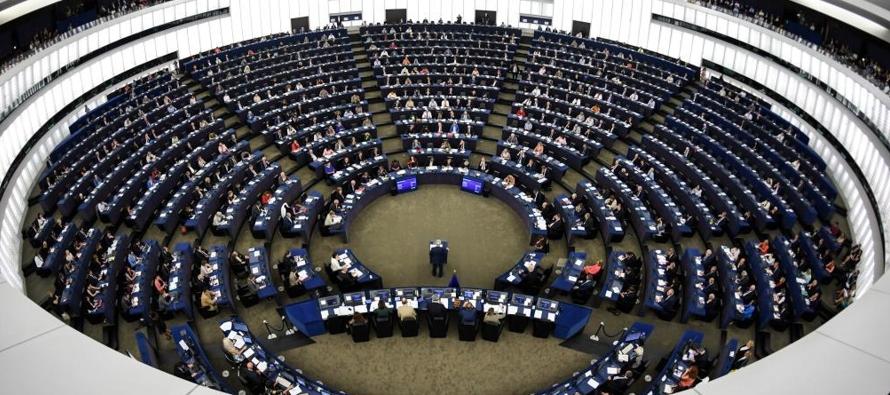 """Juncker refleja el """"momento pijama"""" en que se encuentra la UE. Una teórica..."""