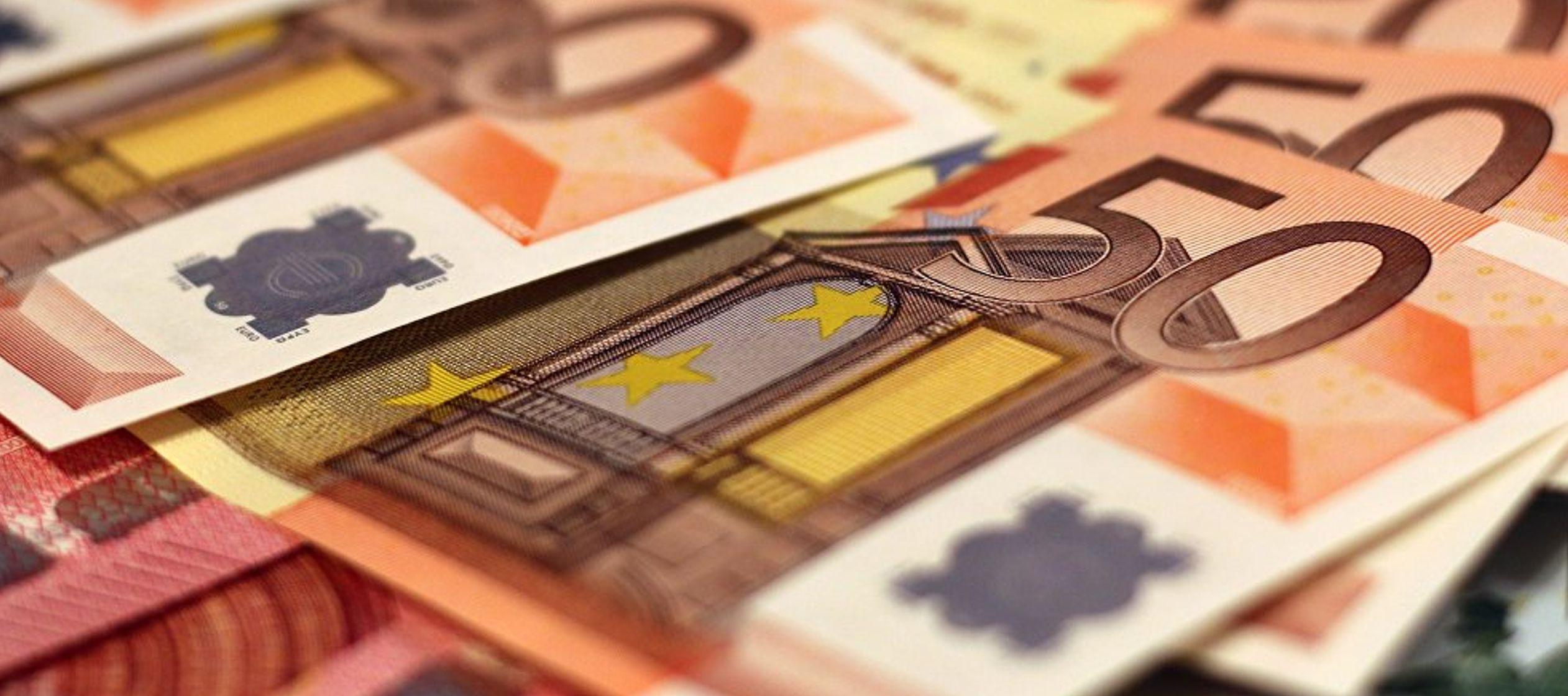 Según Bifarini, la introducción de la moneda única europea ha afectado...