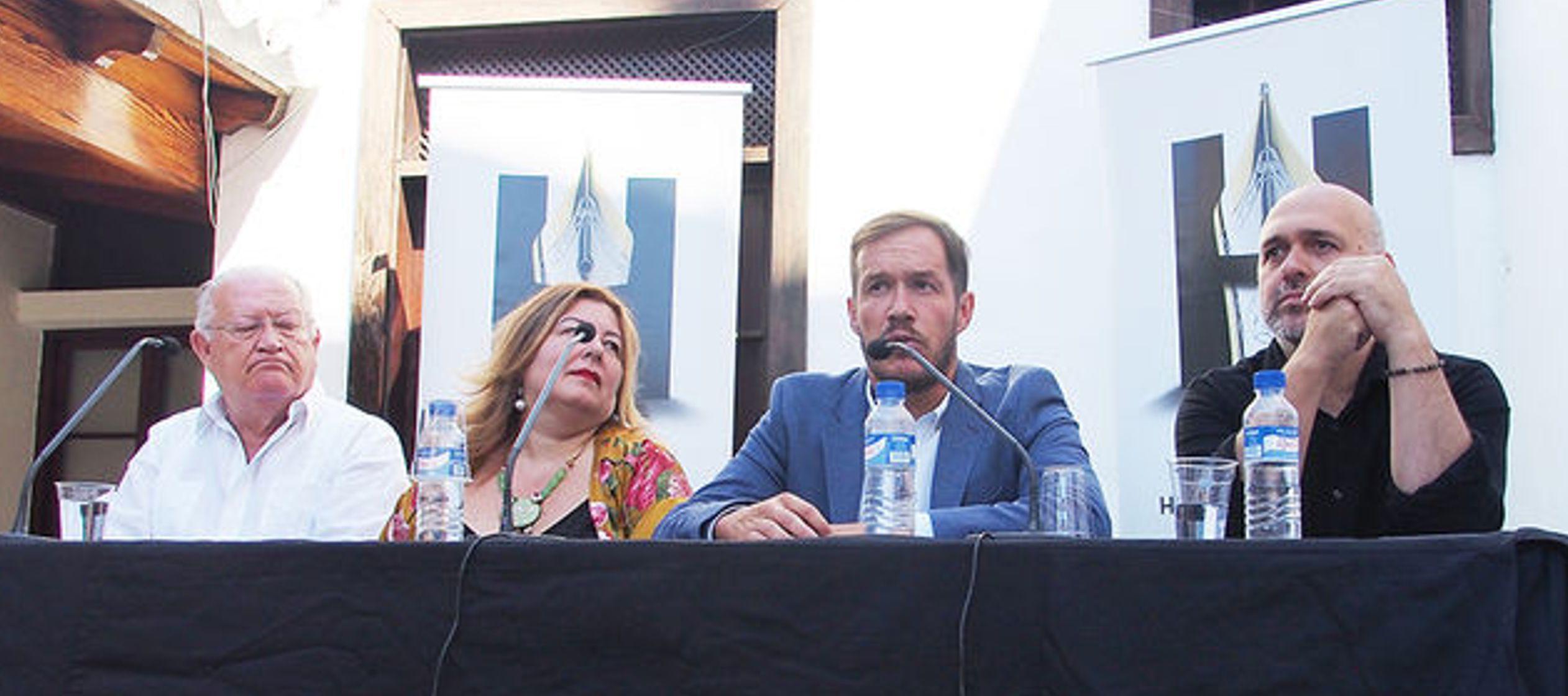 El festival, dijo hoy en la presentación el concejal de hacienda de Los Llanos, Mariano...