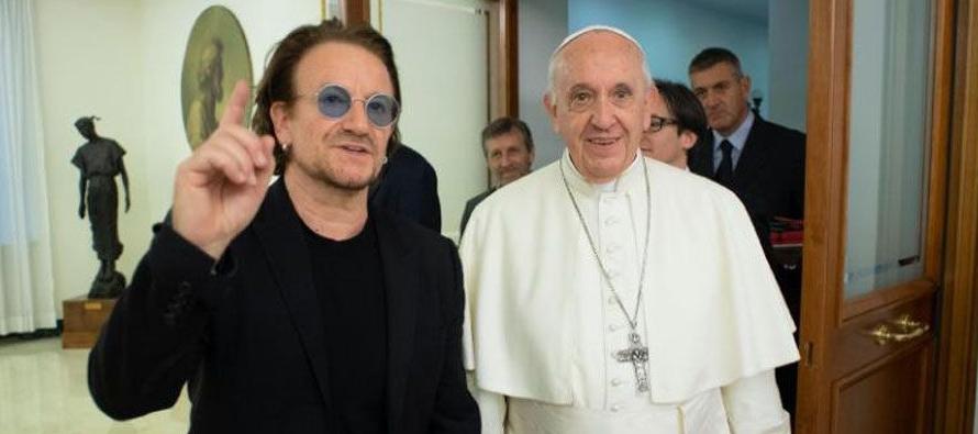 El cantante Paul David Hewson, nombre verdadero de Bono, dijo que por ser originario de Irlanda,...