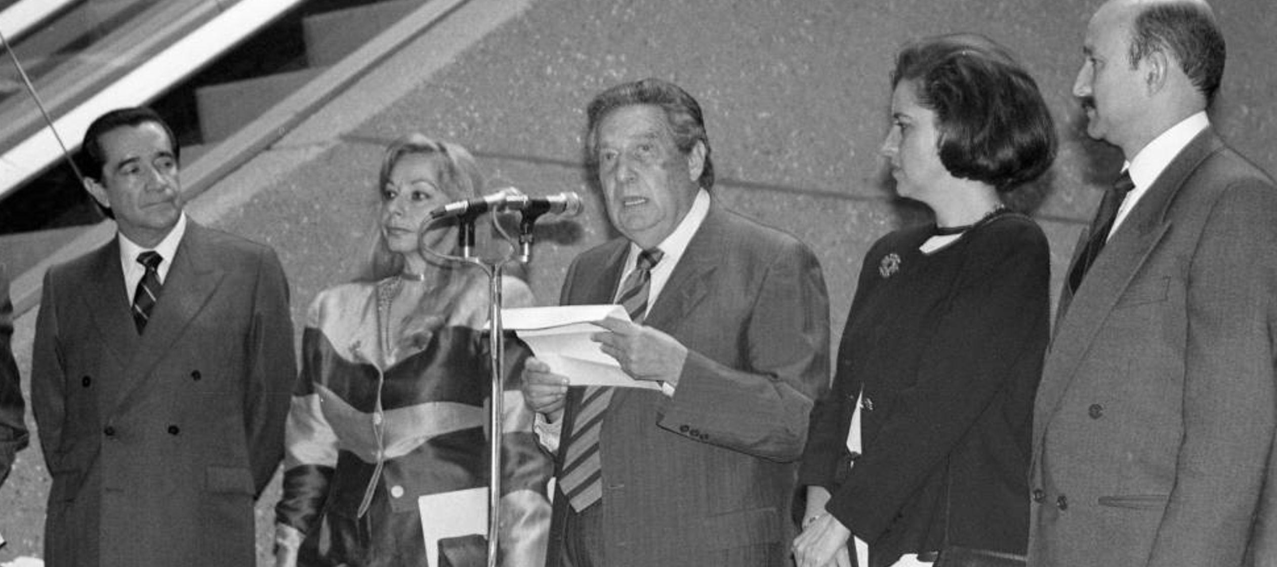 El informe sobre un treintañero Paz, aún ferviente militante socialista, es uno de...