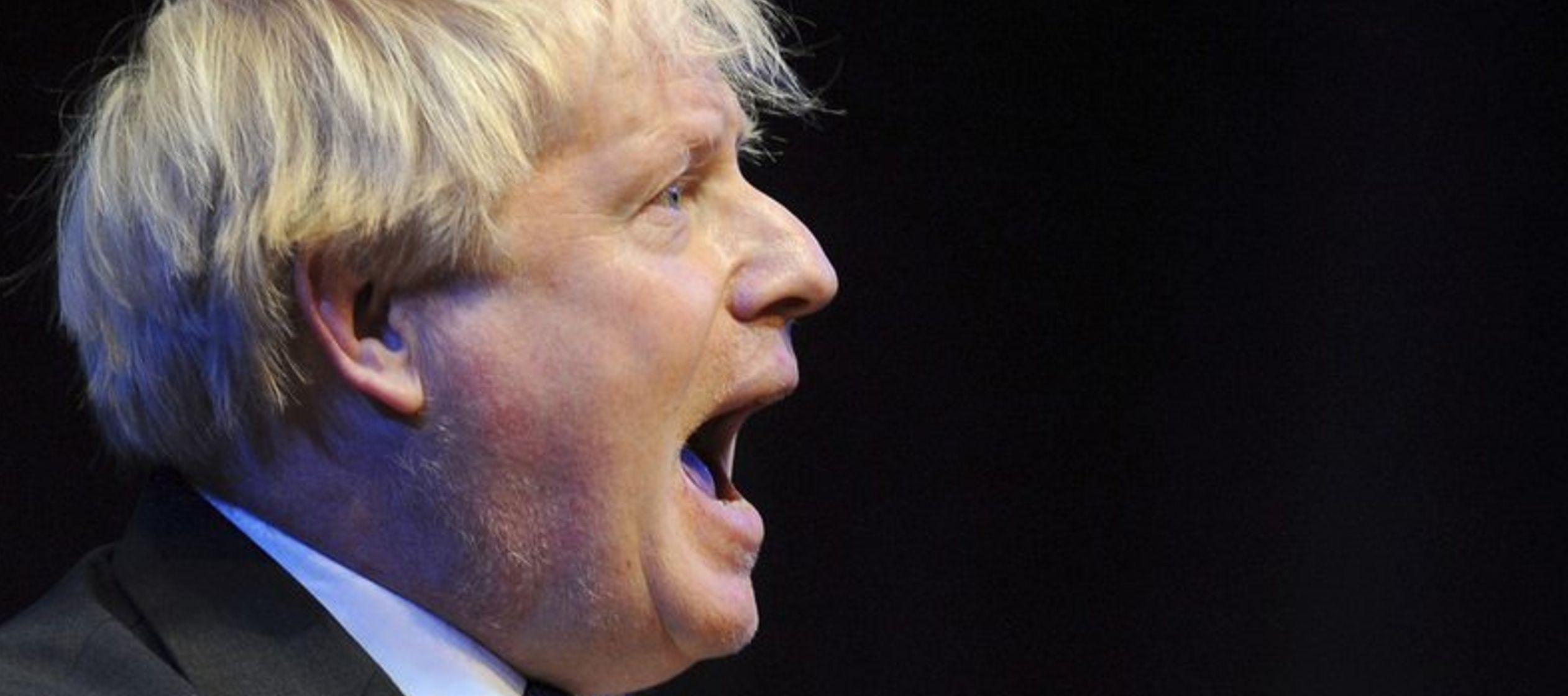 Johnson dejó el gobierno en julio debido al plan de May para el Brexit, pero sigue siendo...