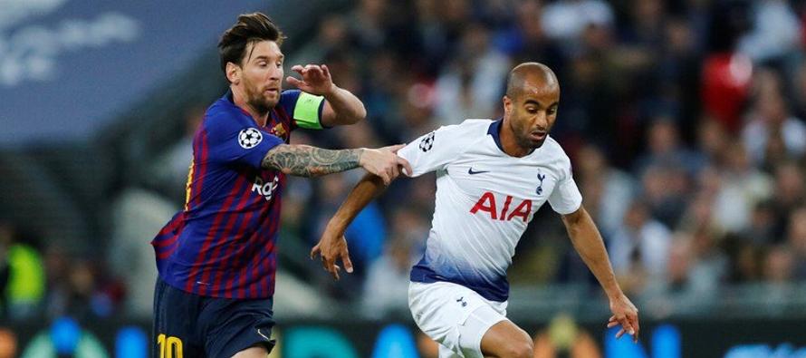 Moura, de 26 años, jugó por última vez con la camiseta de Brasil hace dos...