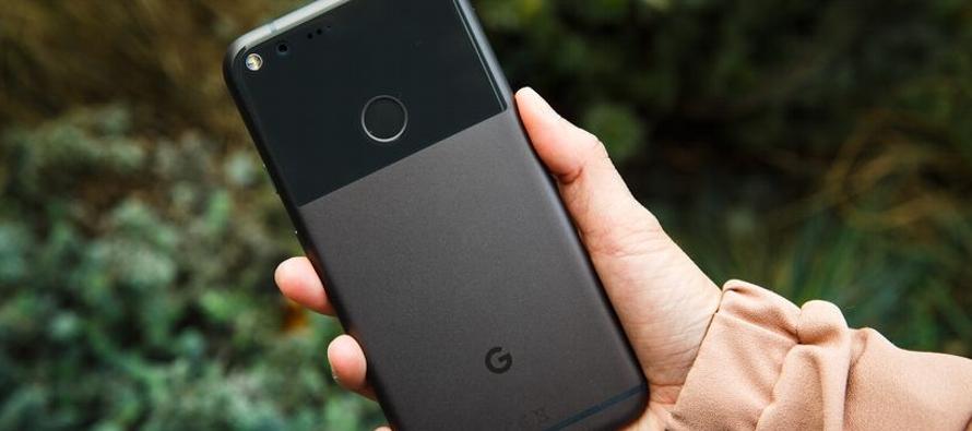 Aunque Google ha tenido éxito en la venta de dispositivos de menor precio, como altavoces...