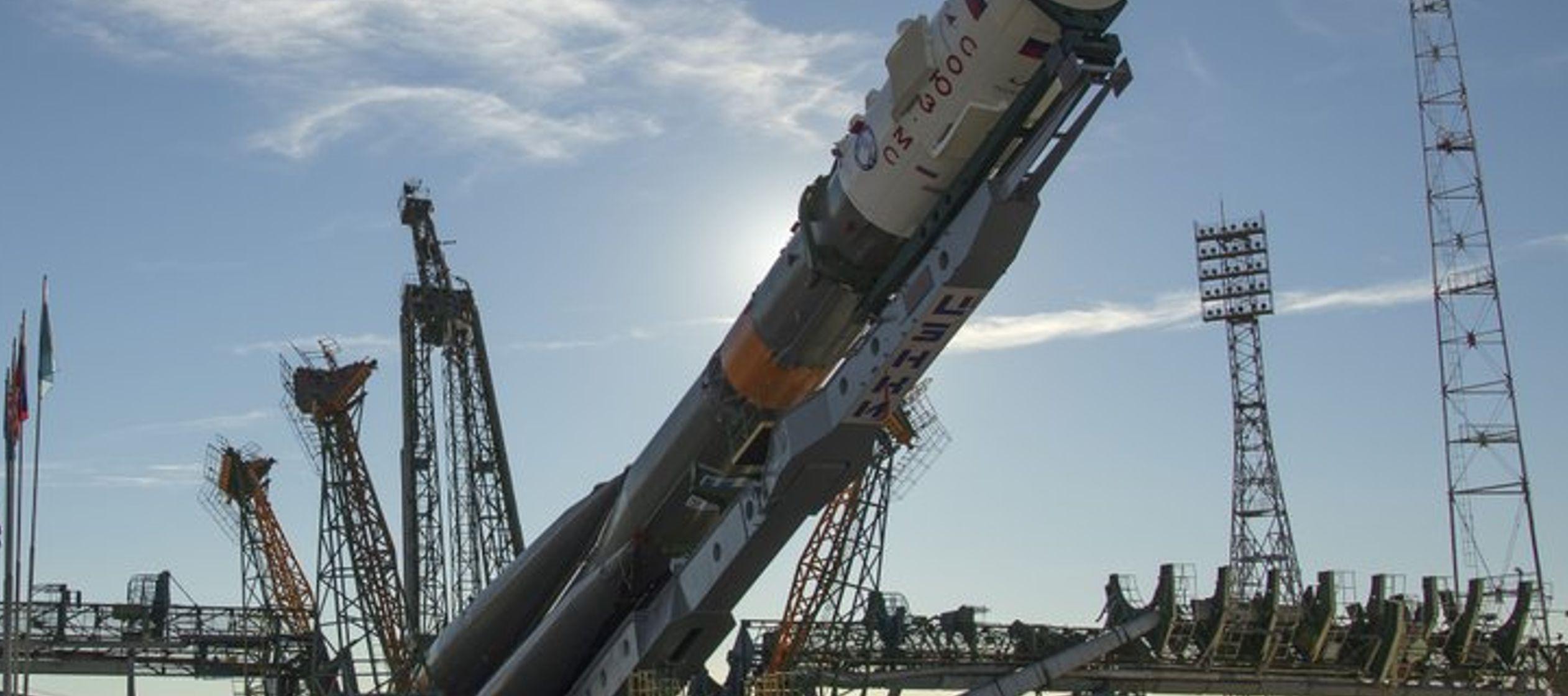 El agujero que apareció en una cápsula rusa Soyuz anclada en la EEI provocó...