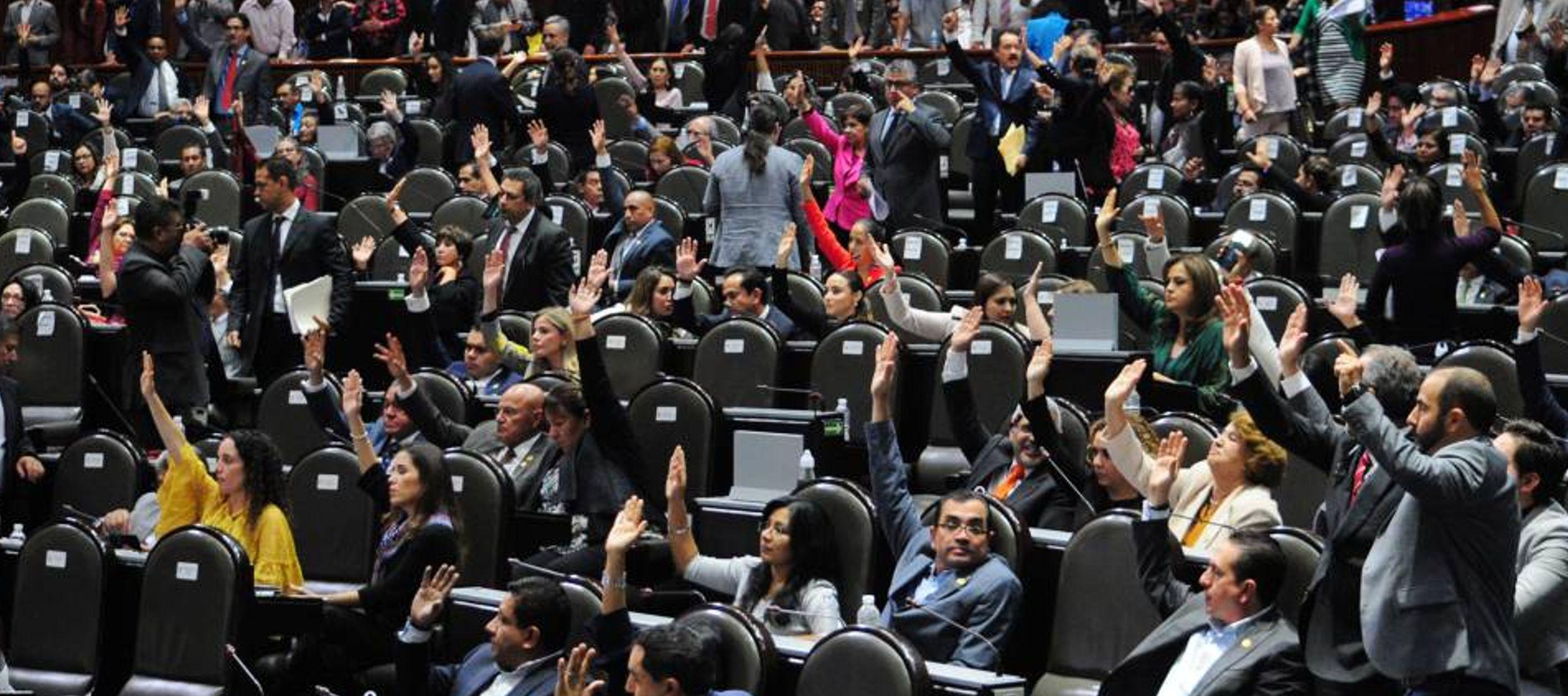 Morena tiene en la Cámara de Diputados 255 de los 500 asientos disponibles, mientras que en...