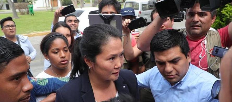 Keiko Fujimori quedó detenida cuando ingresó a la fiscalía para declarar sobre...