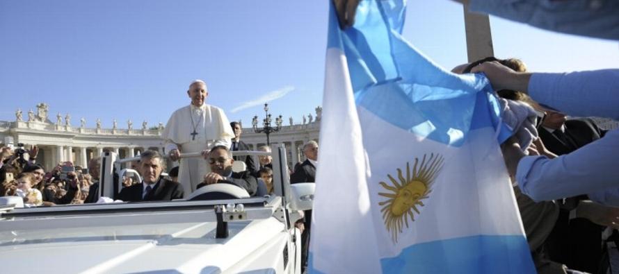 En la catequesis de hoy, el Papa ha reflexionado sobre el mandamiento de la vida –el quinto–...