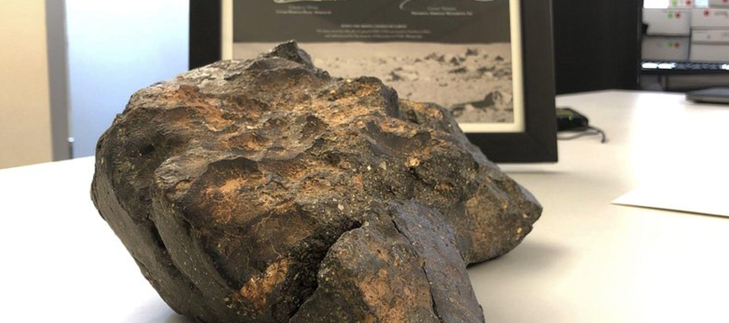 El meteorito está compuesto de seis fragmentos que encajan como un rompecabezas. La pieza...