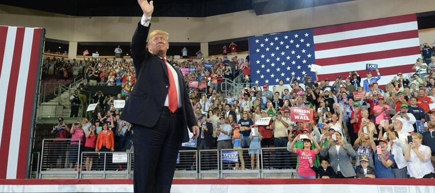 Trump hizo mención de la tormenta durante su evento en Erie, al ofrecer...