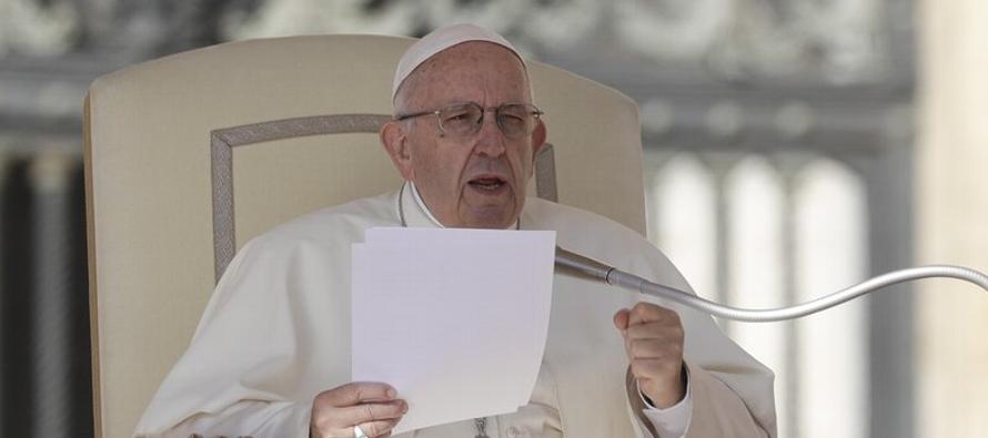 Wuerl, quien cumplirá 78 años en noviembre, es el prelado de mayor rango en caer en...