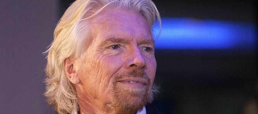 El multimillonario británico Richard Branson suspendió sus relaciones empresariales...