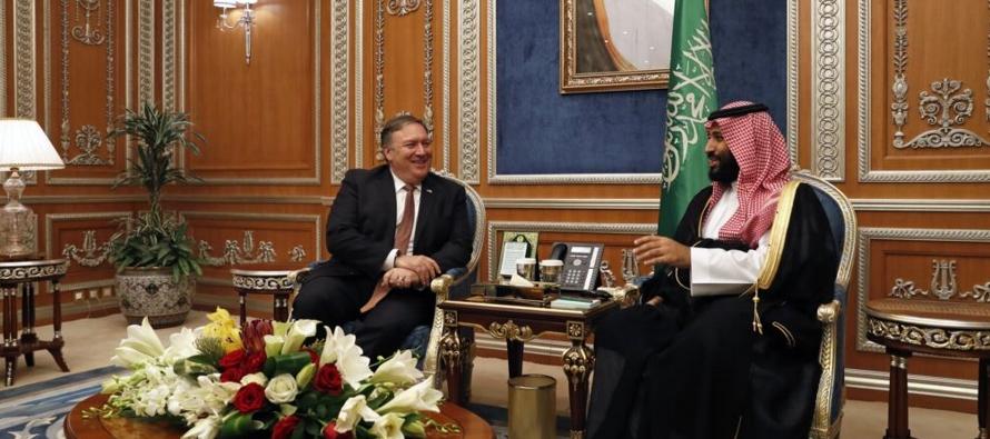 El presidente de Estados Unidos, Donald Trump, quien envió a Pompeo a Riad ante las...