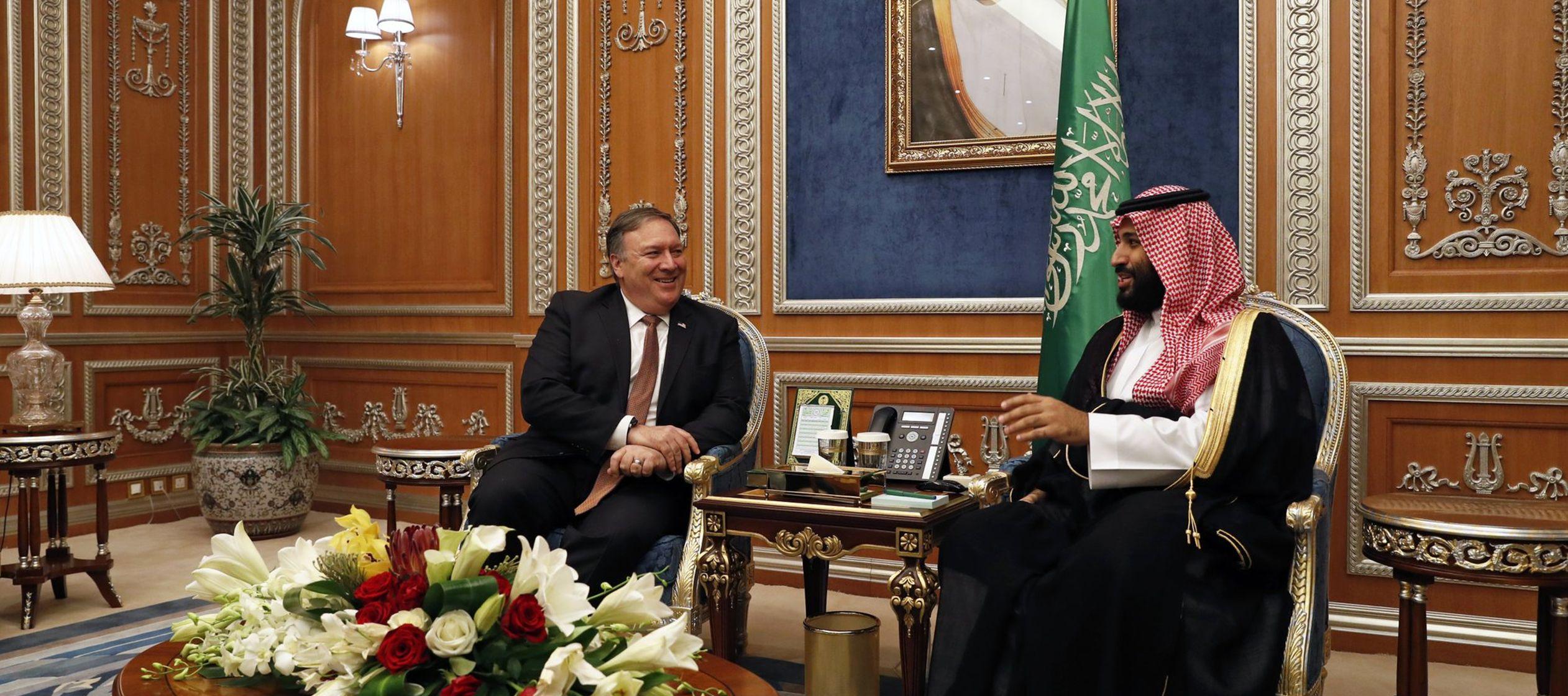Los tuits de Trump se produjeron al tiempo que policías allanaron el consulado de Arabia...