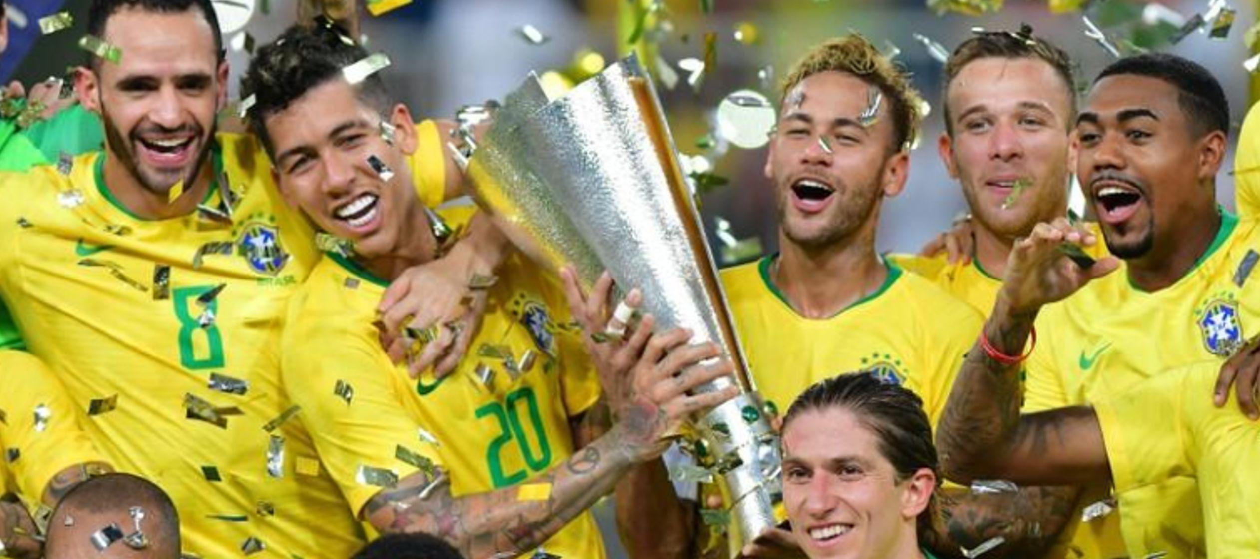 En el segundo tiempo, Brasil se acercó más al arco de Romero, principalmente a...
