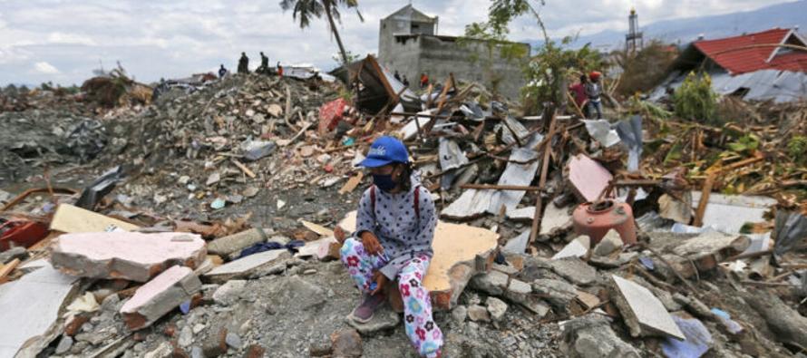 El terremoto de magnitud 7,4 y el posterior tsunami, con olas de 11 metros que devastaron...
