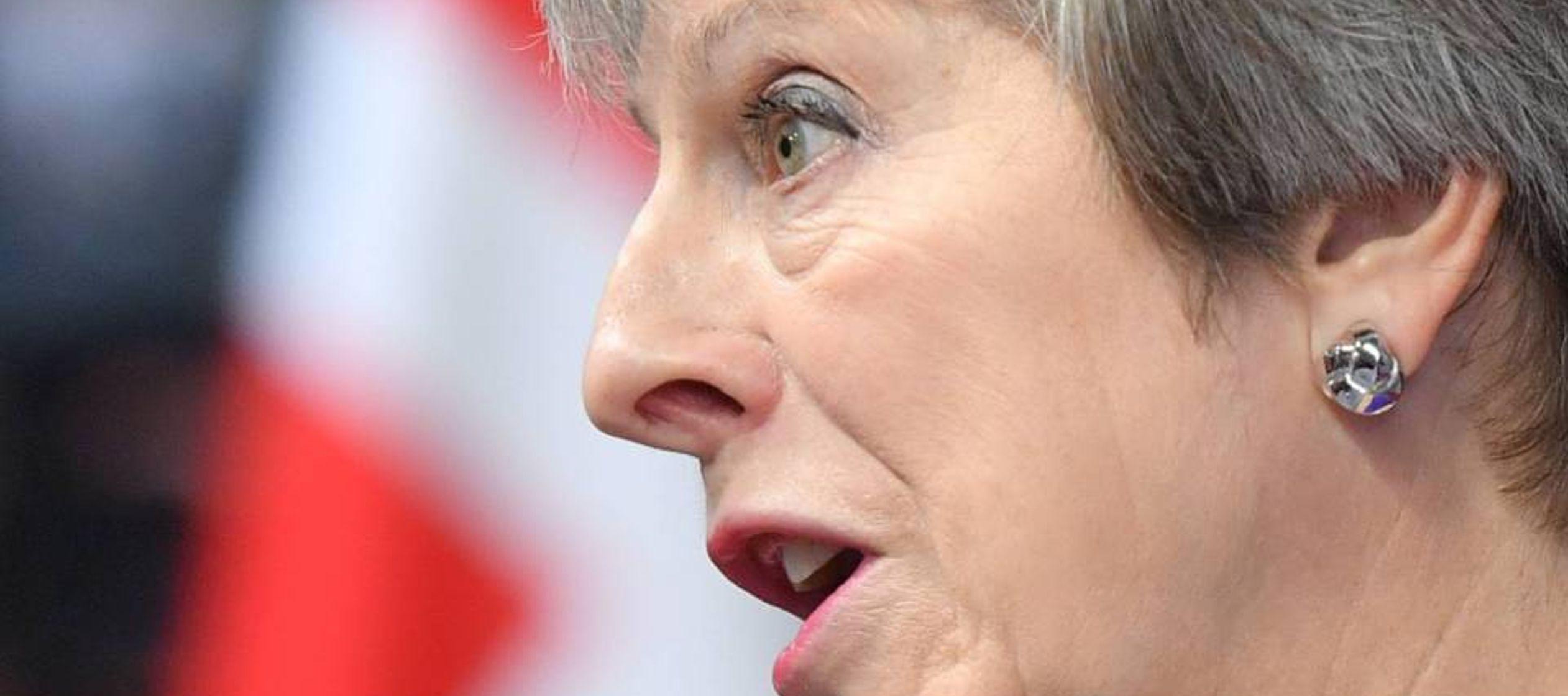 Los euroescépticos advierten a May que no tolerarán que retrase el Brexit