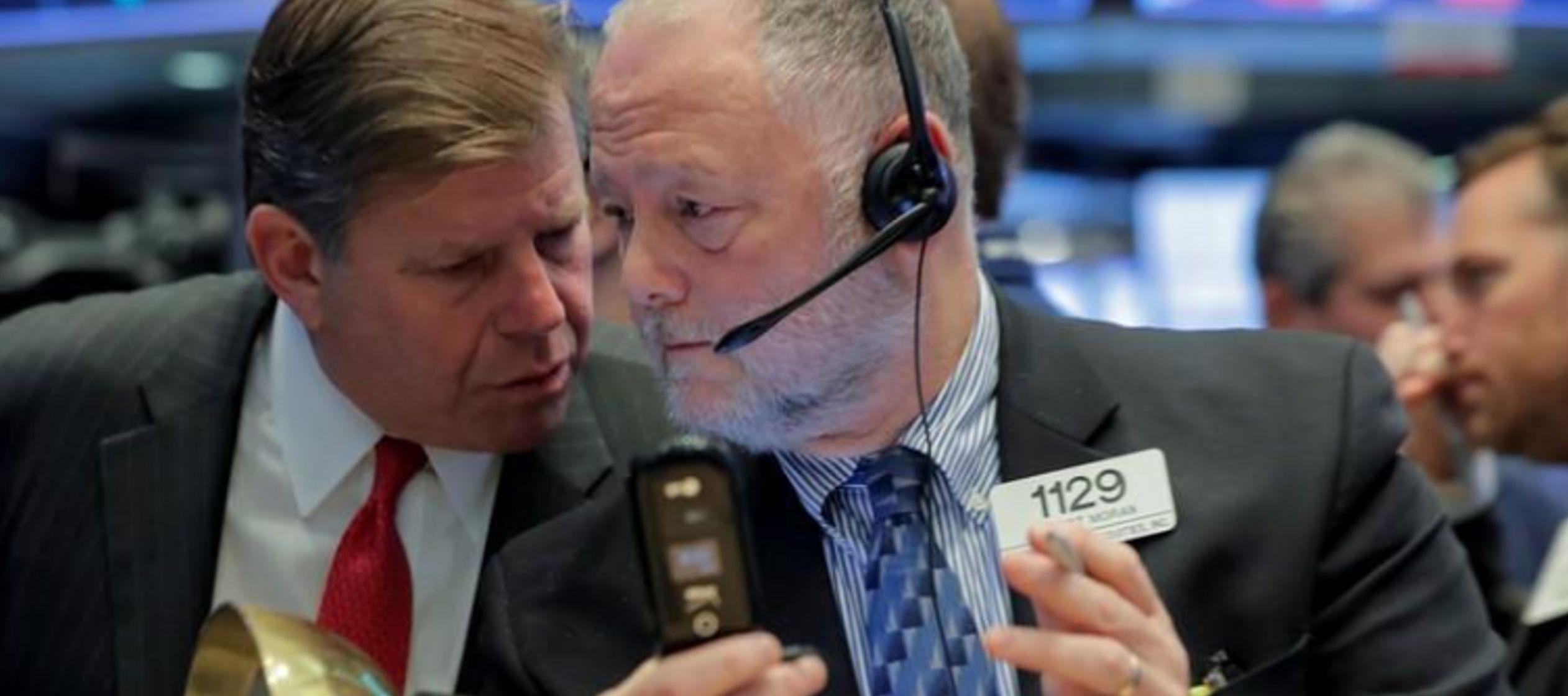 Wall Street cae presionado por preocupación sobre Italia y Arabia Saudita