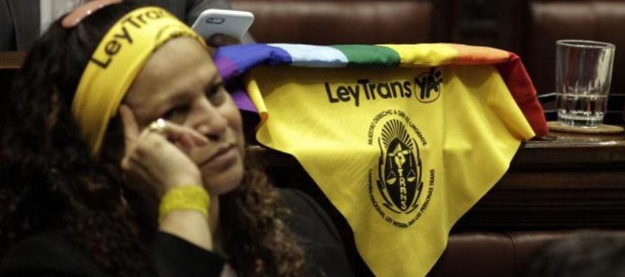 Uruguay sanciona ley de derechos para personas trans