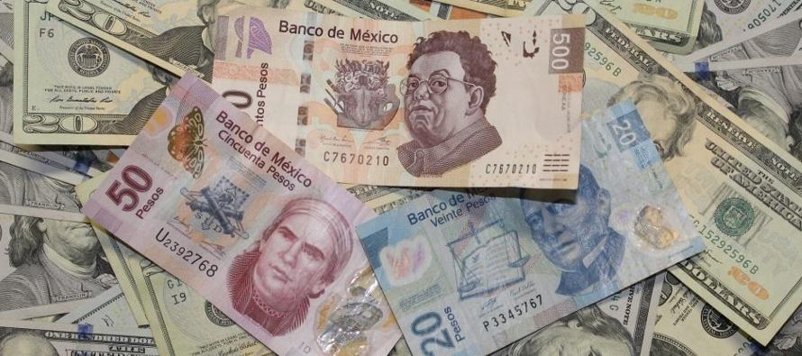 El peso inicia la semana afectado por los resultados de la consulta. El tipo de cambio abrió...
