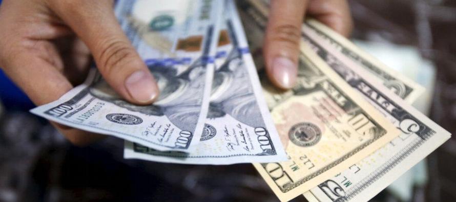 A las 1531 GMT, el índice dólar subía un 0,02 por ciento a 96,300, lo que...