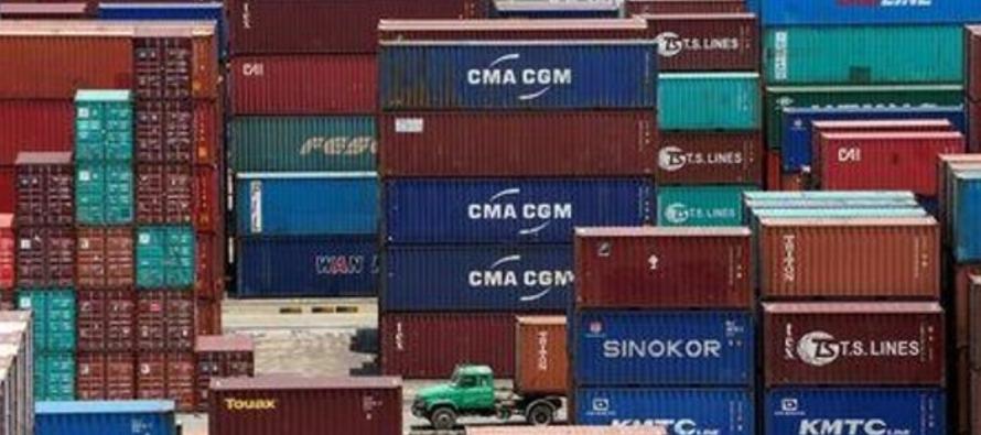 El crecimiento de las importaciones también desafió los pronósticos de una...