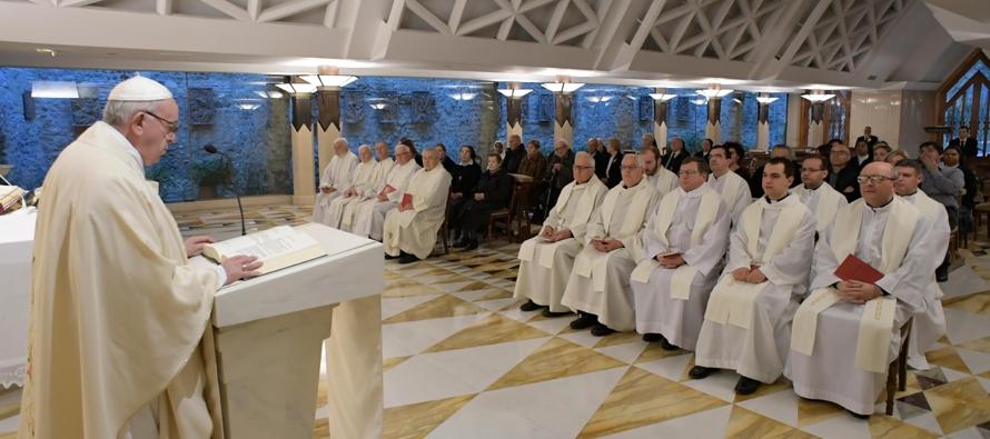 """El Papa ha comentado el episodio evangélico de la """"purificación del templo""""..."""