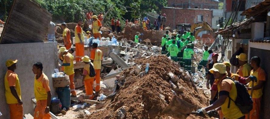 Al menos 14 personas mueren en un deslave en Río de Janeiro