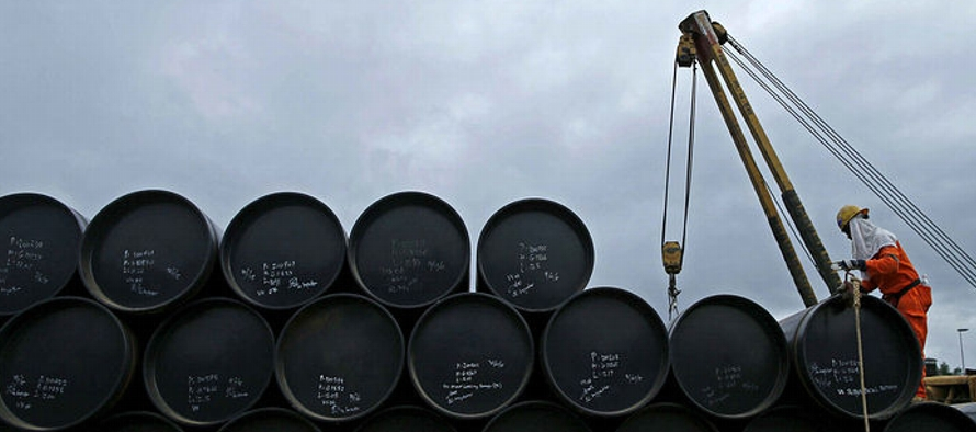 OPEP advierte de superávit crudo en 2019 por menor demanda y aumento de oferta de rivales