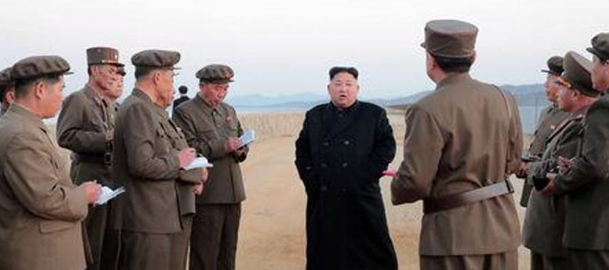 La visita de Kim Jong Un al sitio de ensayos armamentísticos amenaza con deteriorar el...