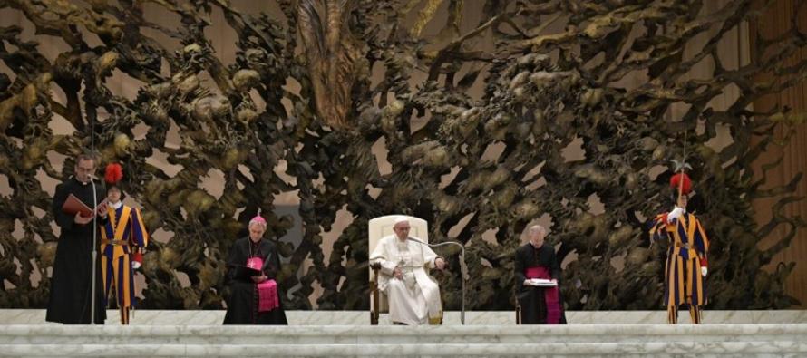 Francisco ha iniciado un nuevo ciclo de catequesis en la audiencia general, este 5 de diciembre de...