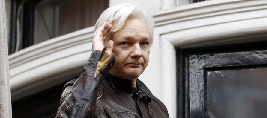 El fundador de WikiLeaks se refugió en la misión diplomática ecuatoriana en...