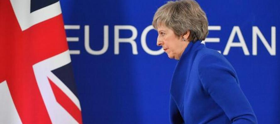 May dijo que estaba hablando con los diputados sobre la posibilidad de otorgarle al Parlamento un...